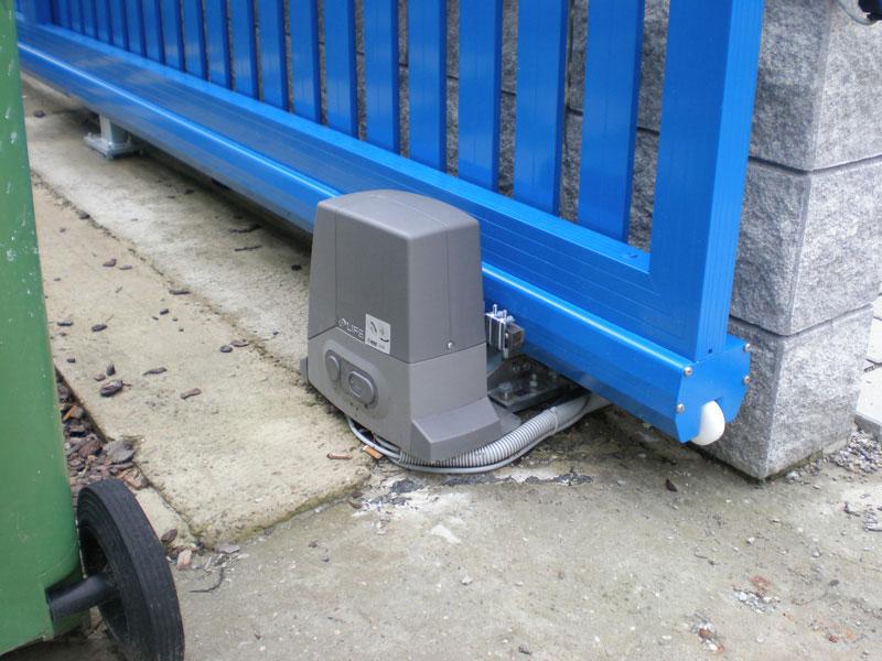 Автоматика для откатных ворот - готовый к работе привод