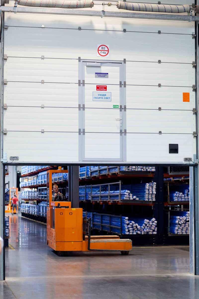 Промышленные ворота АЛЮТЕХ используются на множестве промышленных объектов