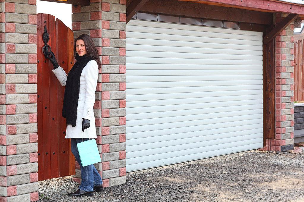 Роллетные гаражные ворота - внешний вид